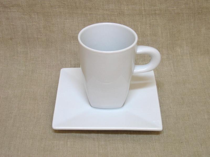 Kohvitass kandilise  alusega