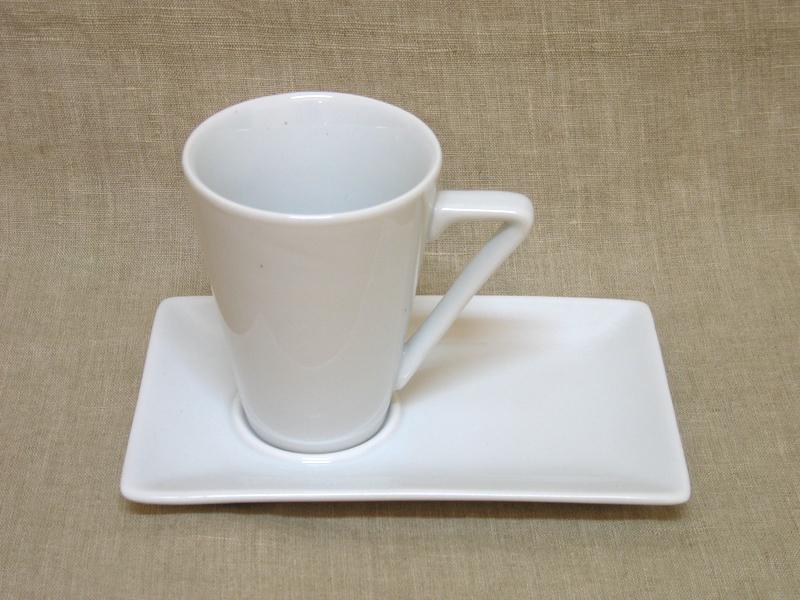 Kohvitass alusega Ming