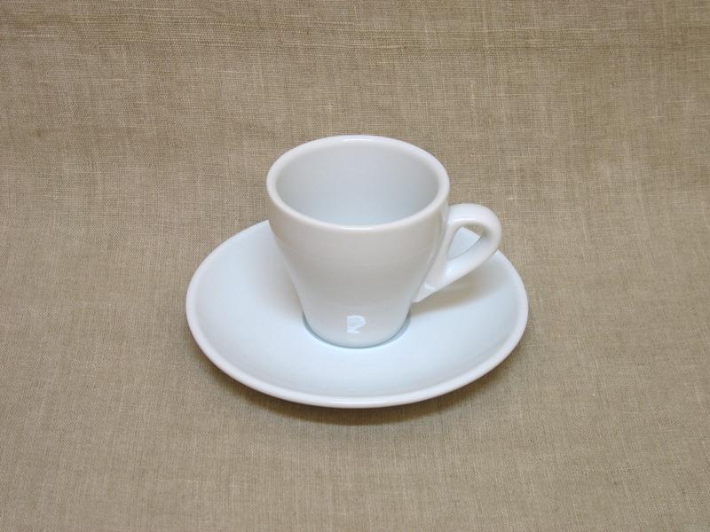 Kohvitass alusega Rome