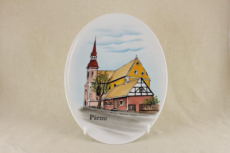 parnu_kirik_ovaal_varv